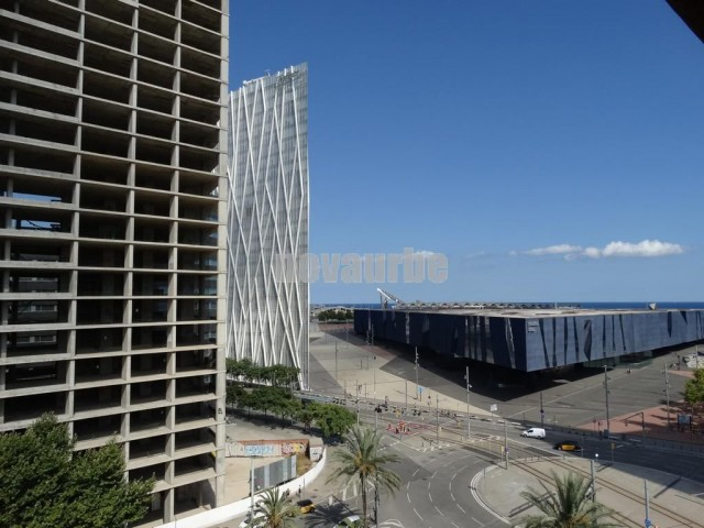 Piso alto with vista al mar for sale in diagonal mar